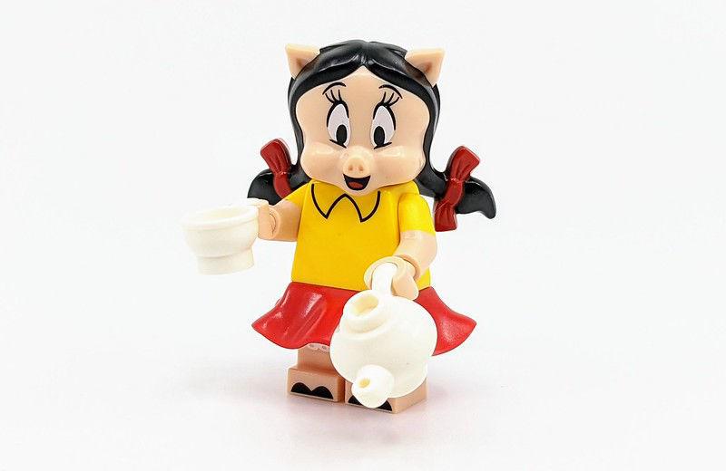 Lego minifigures - Petunia Pig